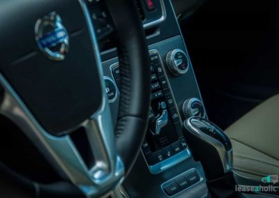 volvo_v60_twin_engine_dashboard