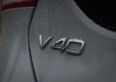 Volvo V40 test lease badge