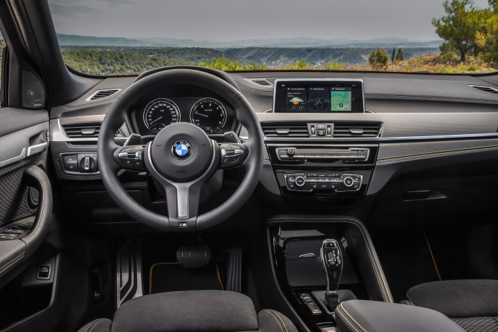 bmw x2 lease dasdhboard interieur leaseaholic