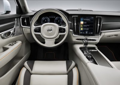 Volvo V90 Cross Country Ocean Race lease dashboard interieur