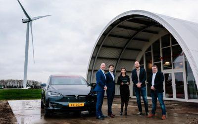 Tesla Model X wint EV van het Jaar 2019